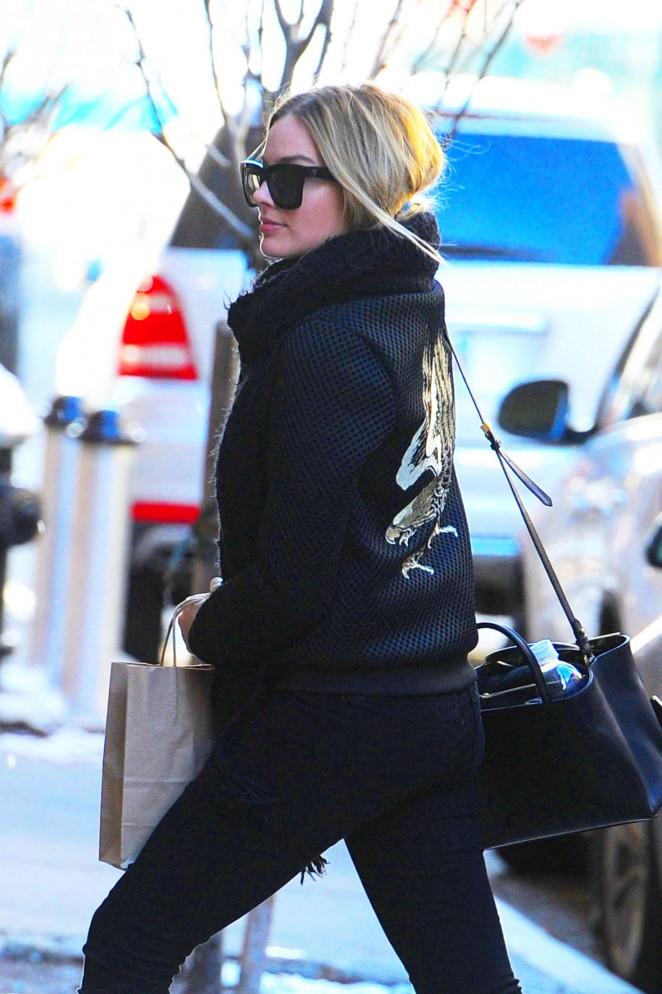 Margot Robbie out in Manhattan