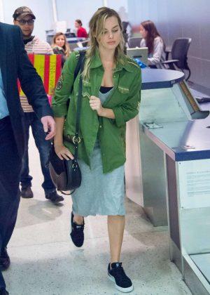 Margot Robbie - Seen at JFK Airport in New York