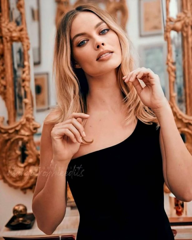 Margot Robbie - Sony Photoshoot 2020
