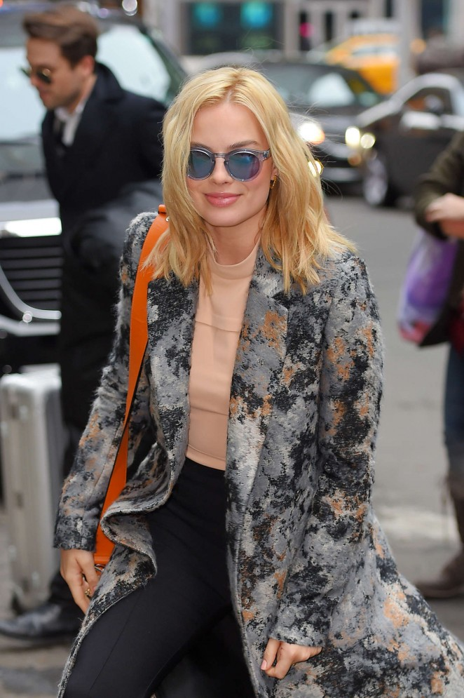 Margot Robbie Style - Out and about in NYC