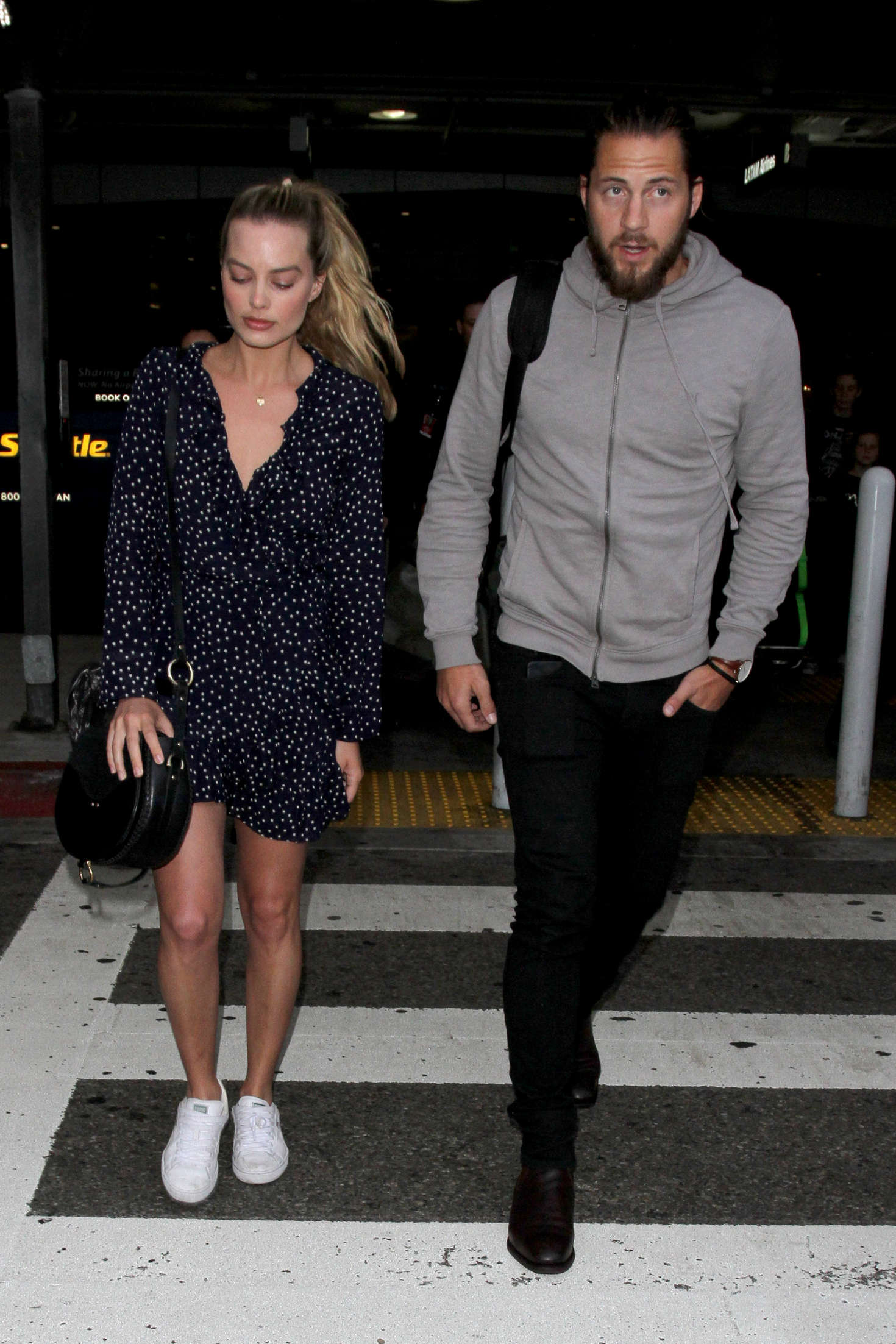 Watch Margot robbie at lax airport in los angeles video