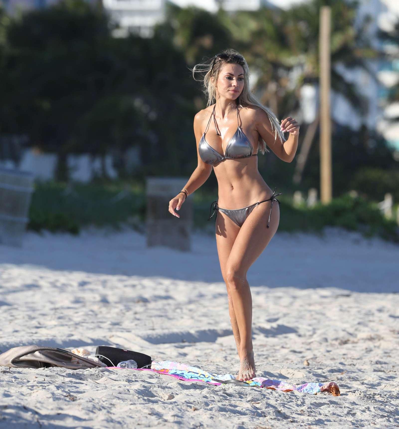 Maria Hering 2017 : Maria Hering in Bikini 2017 -06
