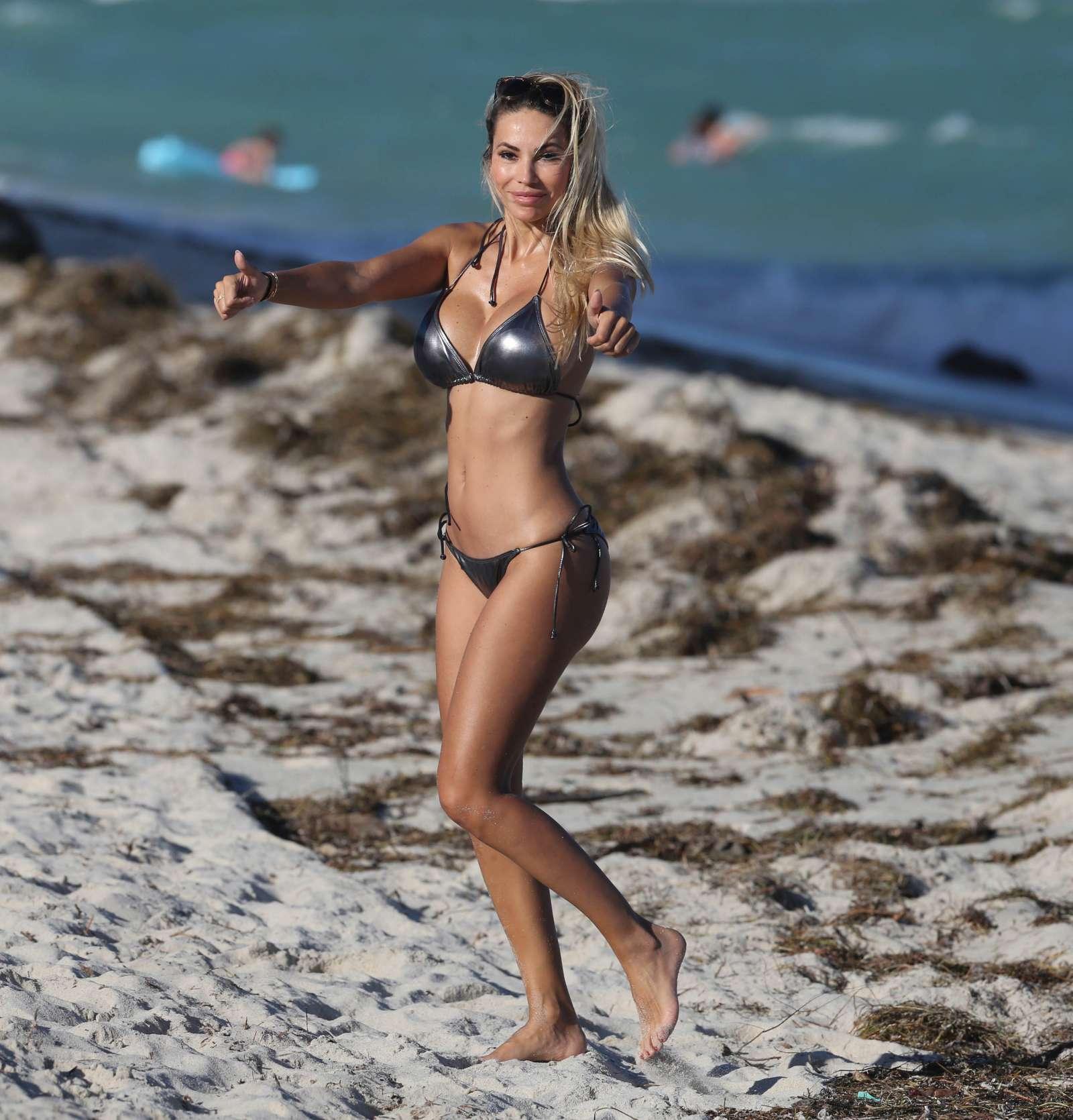 Maria Hering 2017 : Maria Hering in Bikini 2017 -10