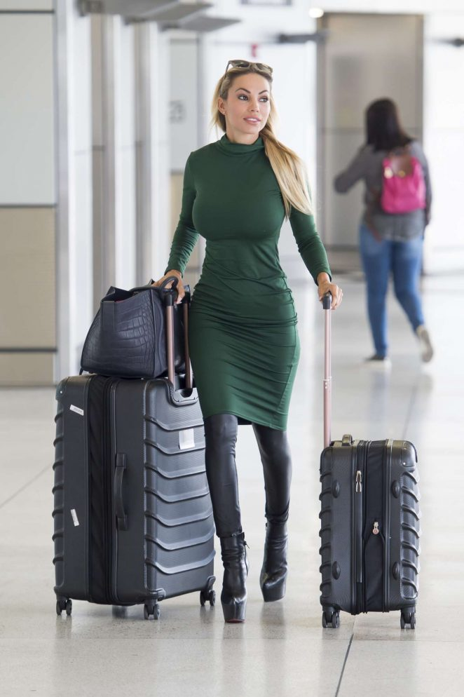 Maria Hering in Tight Dress Leaving Airport in Miami