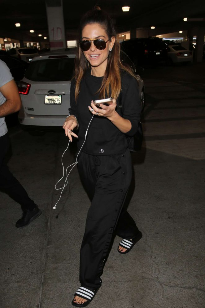 Maria Menounos: Arrives at LAX Airport -09