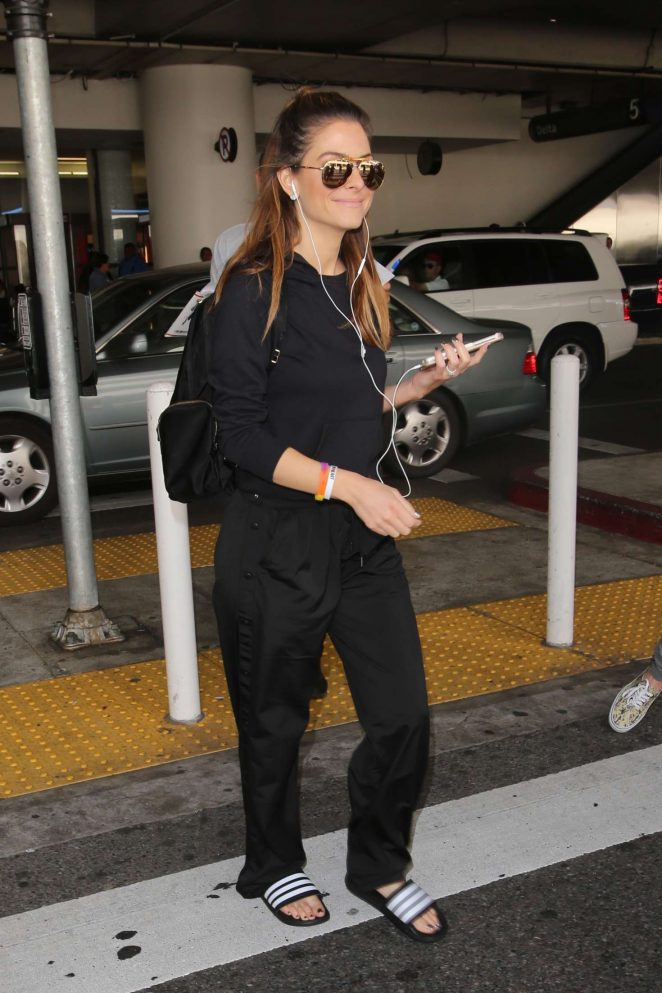 Maria Menounos: Arrives at LAX Airport -16