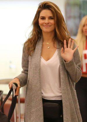 Maria Menounos - Arrives at Louis Armstrong International Airport in Louisiana