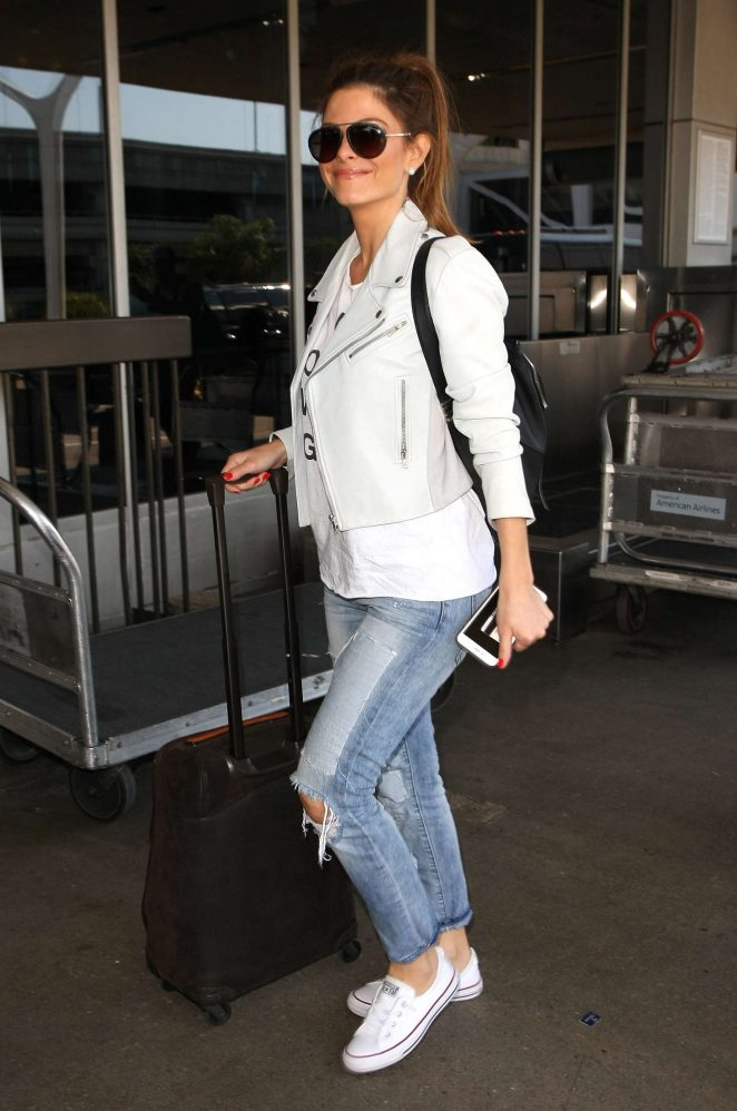 Maria Menounos at LAX Airport -01