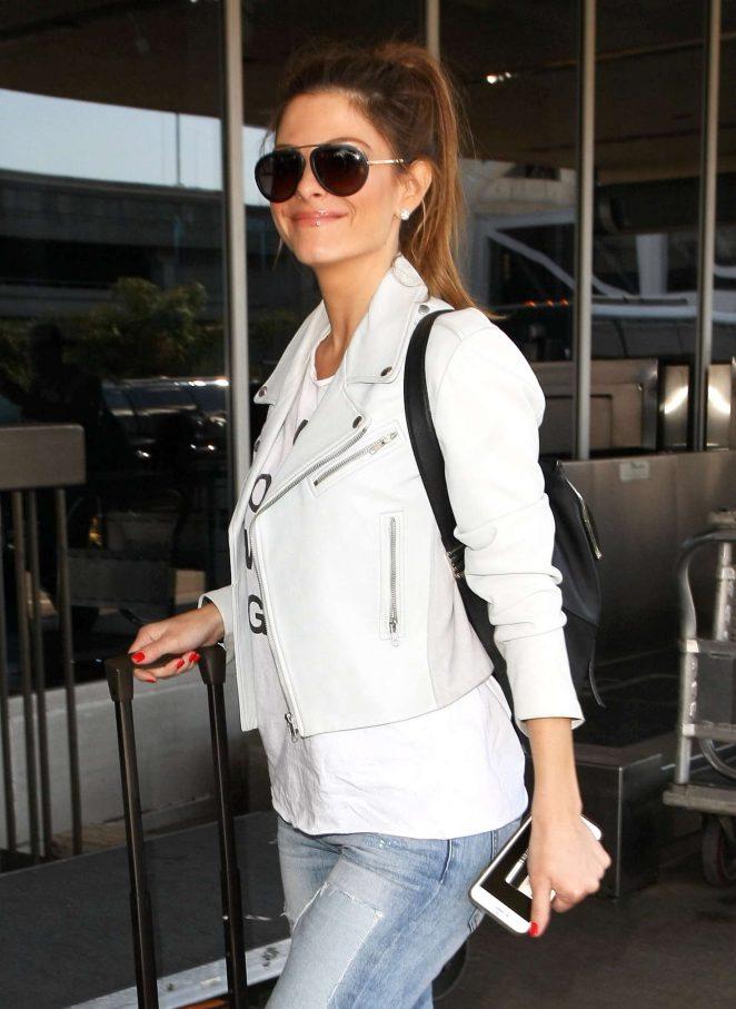 Maria Menounos at LAX Airport -09
