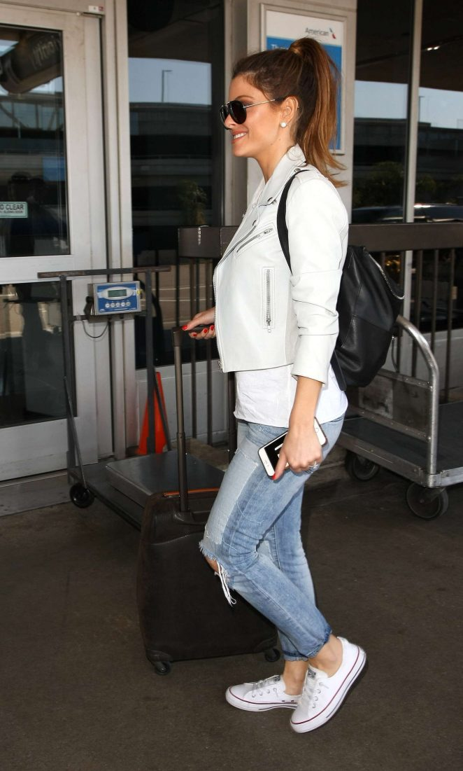 Maria Menounos at LAX Airport -11