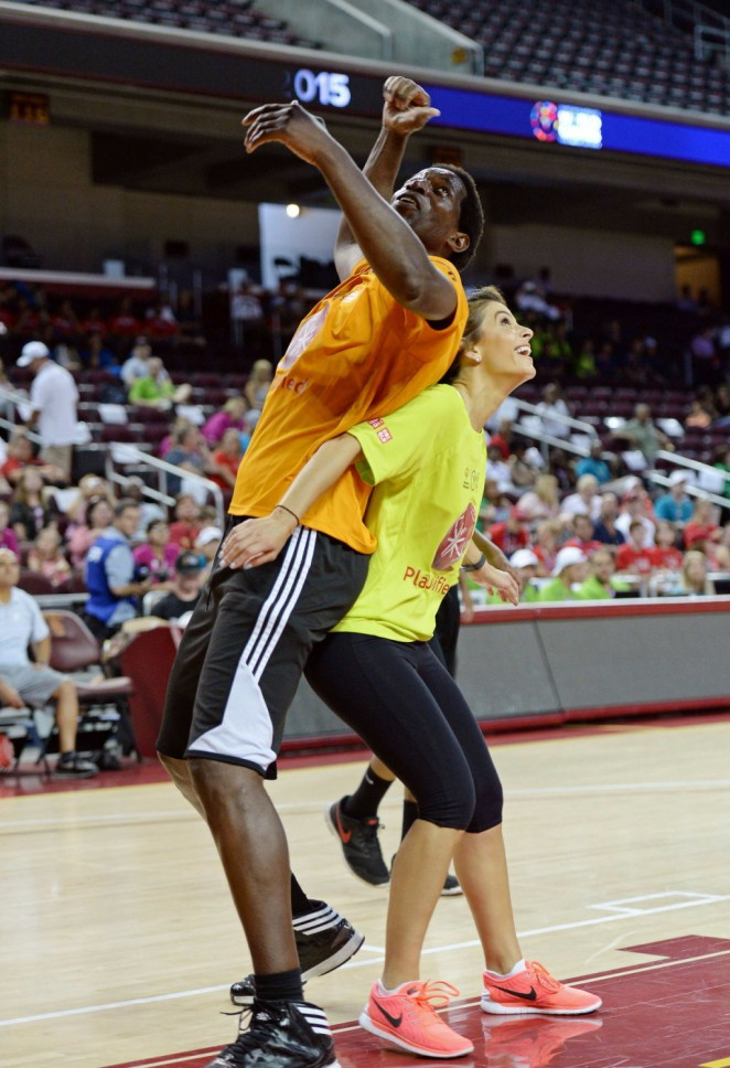 Maria Menounos – Celebrity Basketball Game at the Special Olympics World Games in LA
