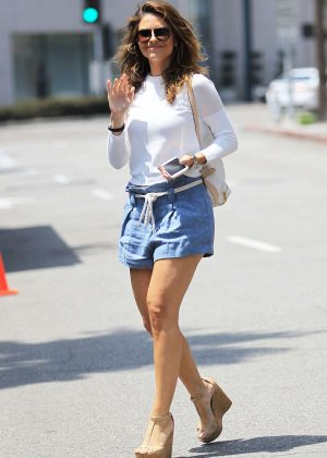 Maria Menounos in Shorts Leaving her doctor's office in Beverly Hills
