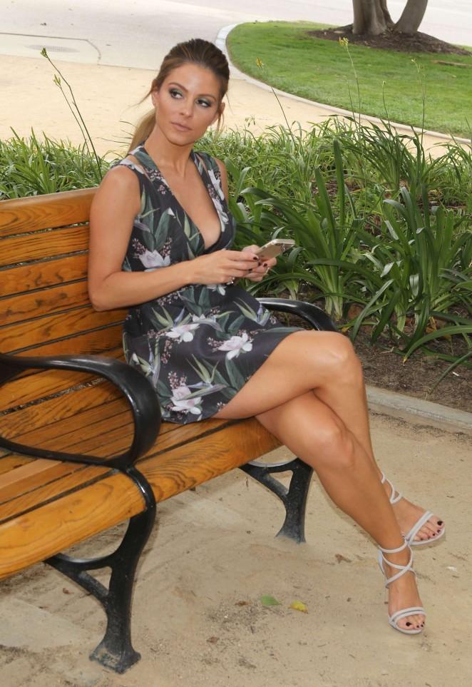 Maria Menounos Leggy in Mini Dress -05