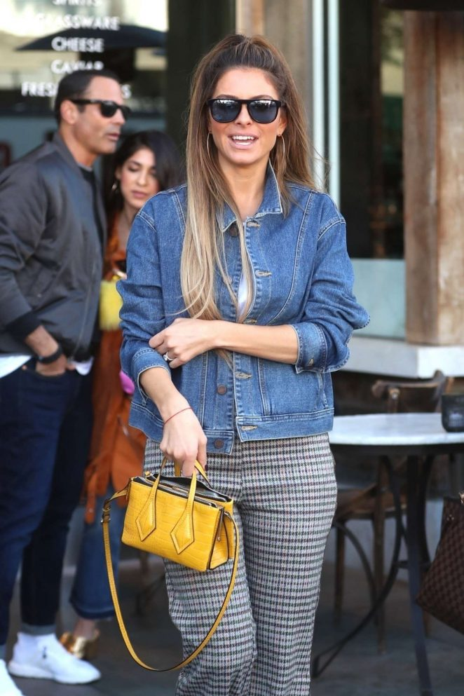 Maria Menounos – Out for lunch in Beverly Hills