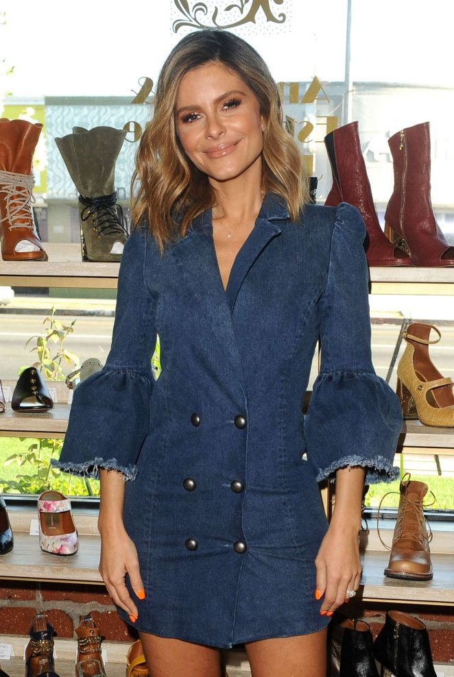 Maria Menounos - Pop Up Event at Platt Boutique Jewelry and The Kit Vintage in LA