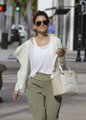 Maria Menounos - Shopping at Jimmy Choo in Beverly Hills