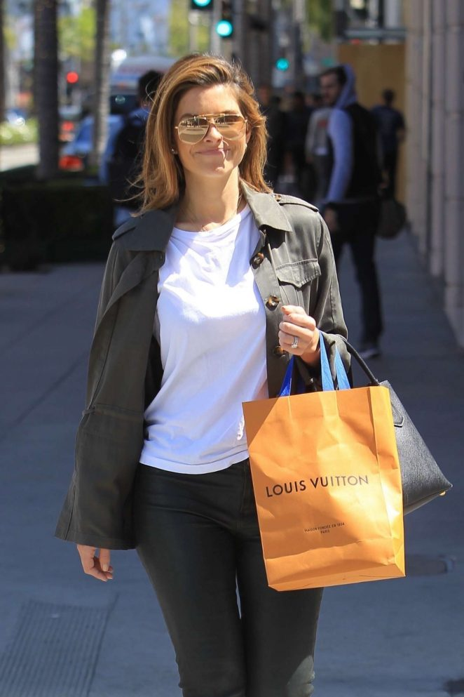 Maria Menounos - Shopping at Louis Vuitton in Beverly Hills