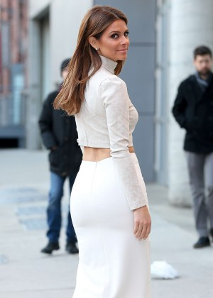 Maria Menounos Style - Out and about in NYC