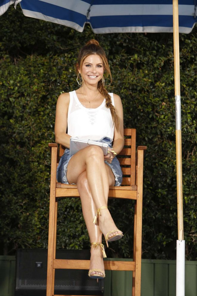 Maria Menounos - Visits 'Jimmy Kimmel Live!' in Los Angeles