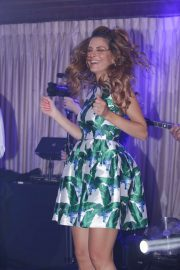 Maria Menounos - Was maid of honour at a friend's wedding in Crete