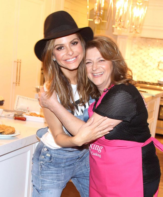 Maria Menounos with Her Mother Reveals She Has Bee Diagnosed with Brain Tumor
