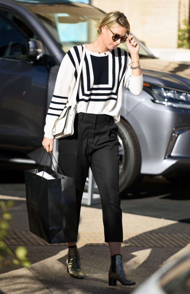 Maria Sharapova - Christmas Shopping in Beverly Hills