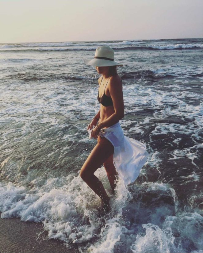 Maria Sharapova in Bikini - Instagram