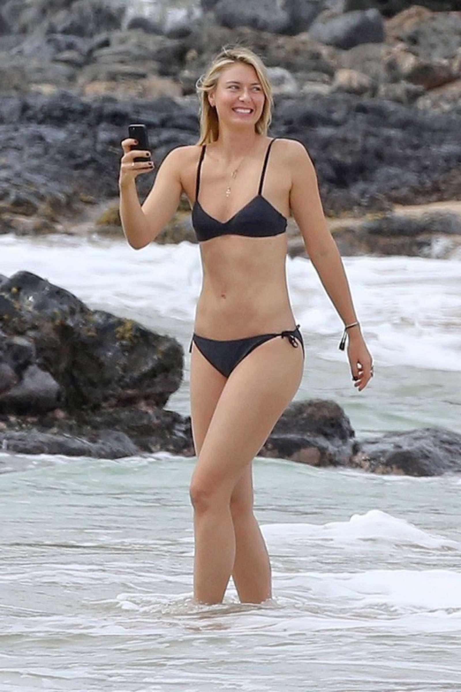 Maria Sharapova In Black Bikini 2017 09 Gotceleb