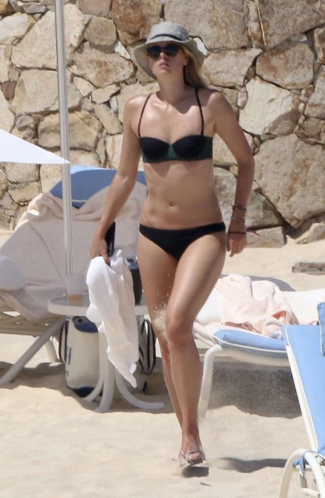 Maria Sharapova in Black Bikini in Los Cabos