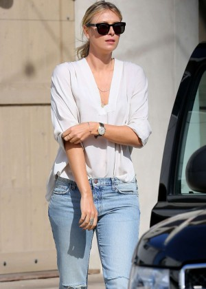 Maria Sharapova in Ripped Jeans out in Manhattan