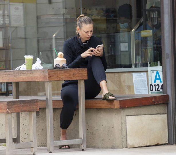 Maria Sharapova - Out for a drinks in Manhattan Beach