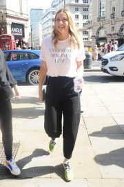 Maria Sharapova - Out in London