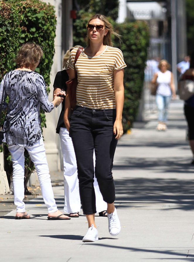 Maria Sharapova out in Los Angeles -05
