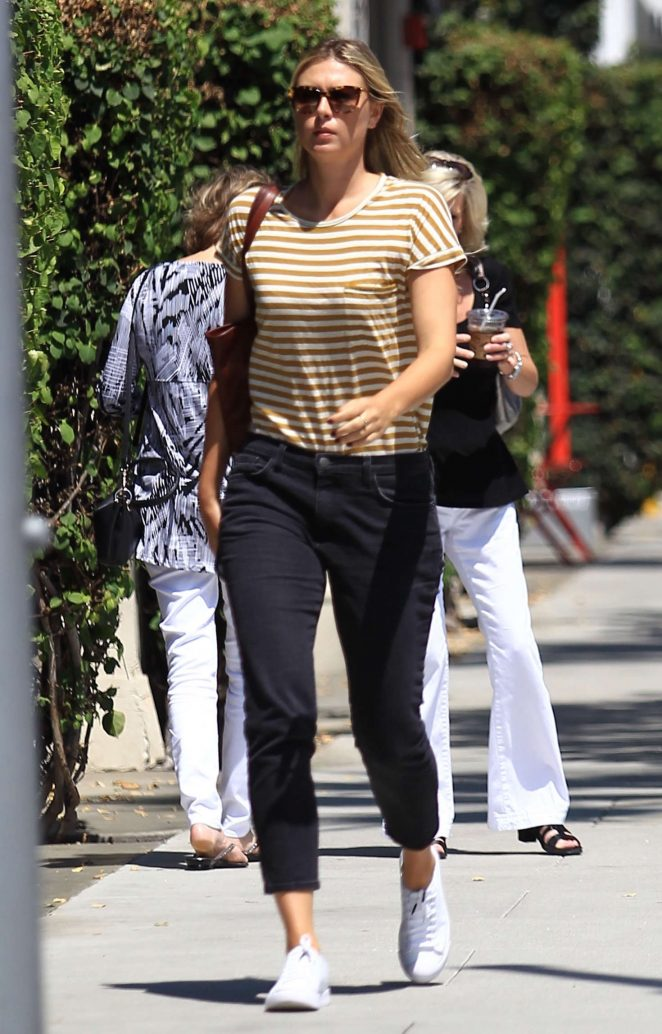 Maria Sharapova out in Los Angeles -06