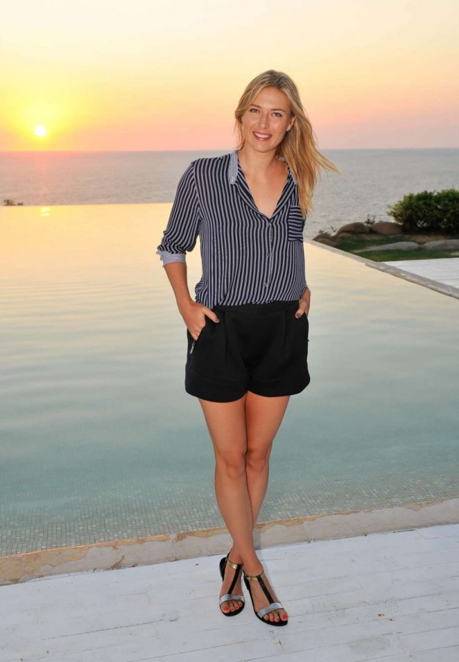 Maria Sharapova - Picturesque Moments in Acapulco
