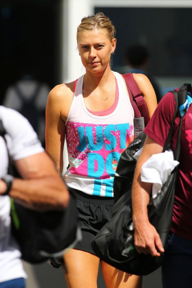 Maria Sharapova - Practice Session in Melbourne