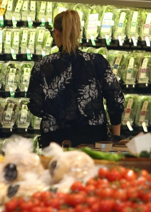 Maria Sharapova: Shopping at Whole Foods -09