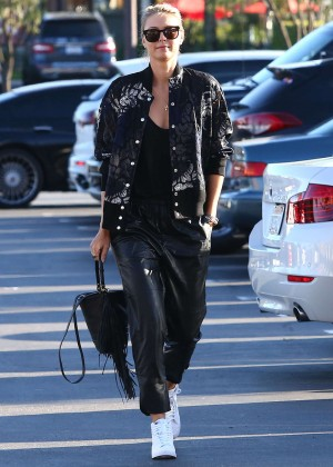 Maria Sharapova: Shopping at Whole Foods -12