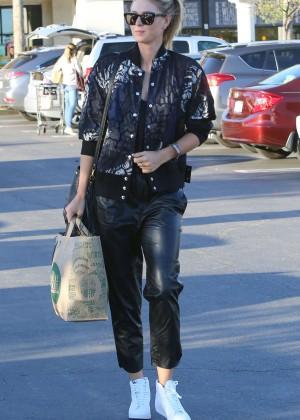 Maria Sharapova: Shopping at Whole Foods -14