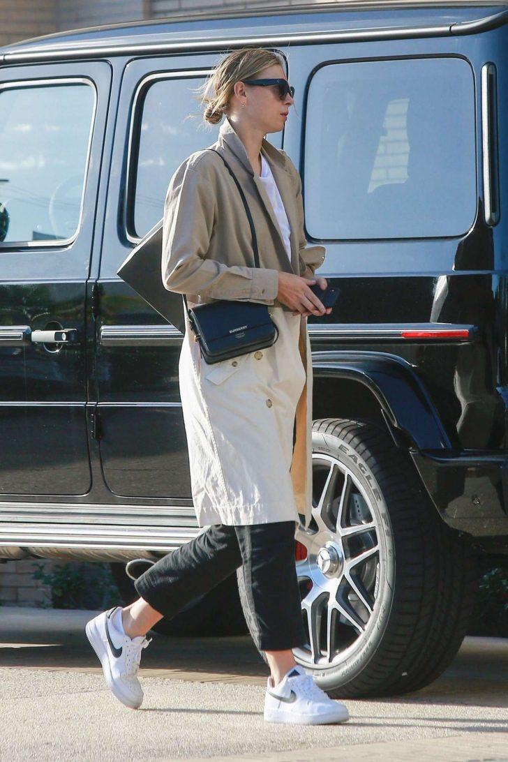 Maria Sharapova: Shops at Barneys New York -06