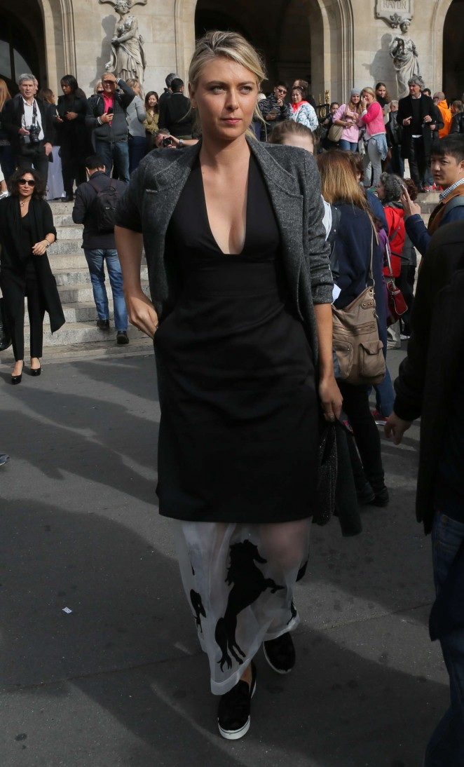 Maria Sharapova: Stella McCartney Fashion Show -05