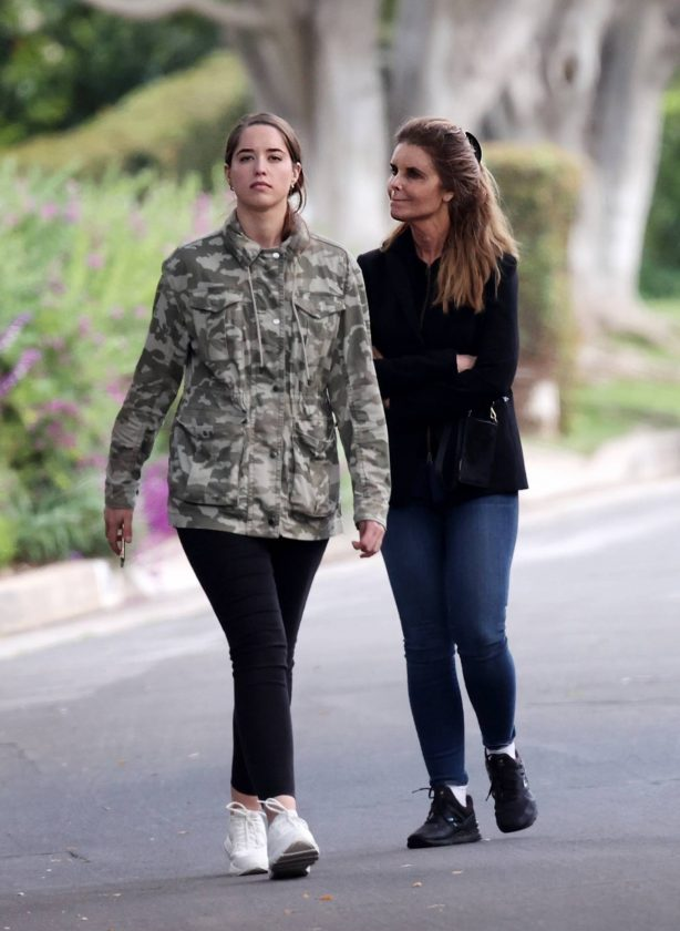 Maria Shriver and Christina Schwarzenegger - Walk around their neighborhood