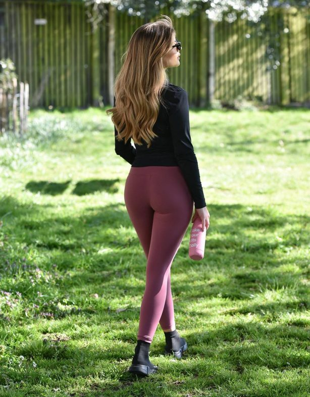 Maria Wild - Workout in a park in London