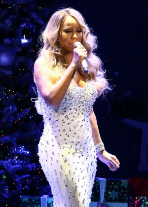 Mariah Carey - 2015 All I Want For Christmas Is You Concert in NYC