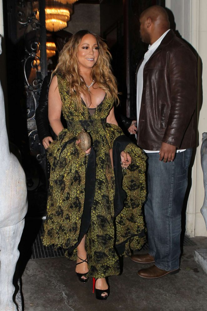 Mariah Carey at Mastros Steakhouse -12