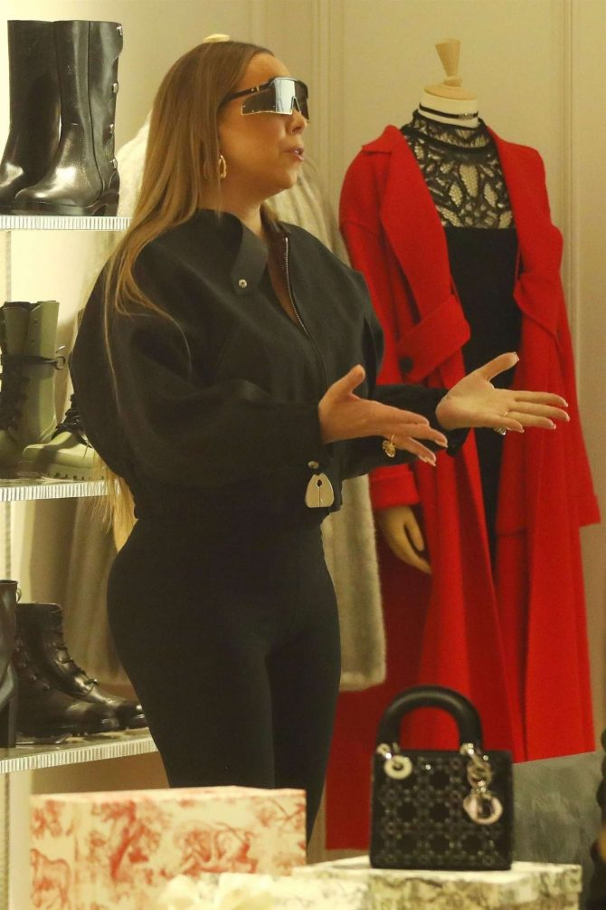 Mariah Carey – Christmas Shopping in Aspen