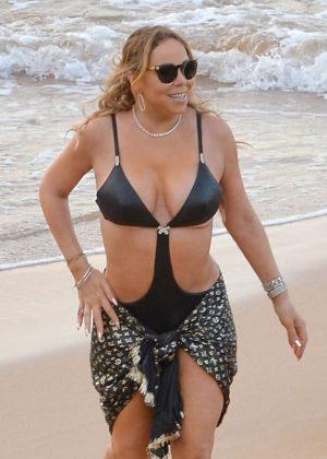 Mariah Carey in Bikini at a Beach in Maui