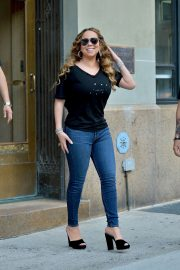 Mariah Carey - In Jeans All smiles while out in New York City
