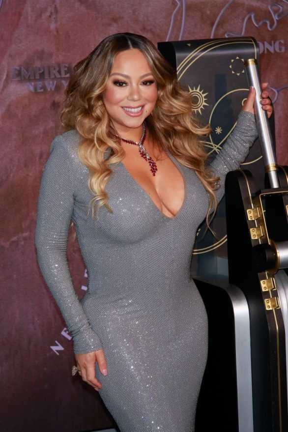 Mariah Carey - In Tight dress at lights Empire State Building in New York