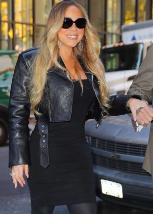 Mariah Carey - Leaves her apartment in New York City